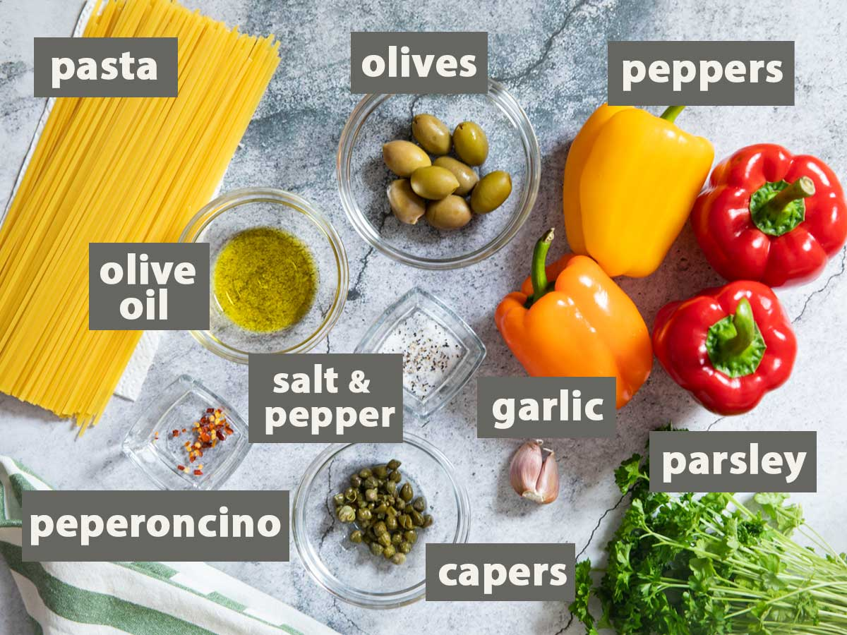 An image showing the ingredients that you need to prepare Fried Peppers Pasta.