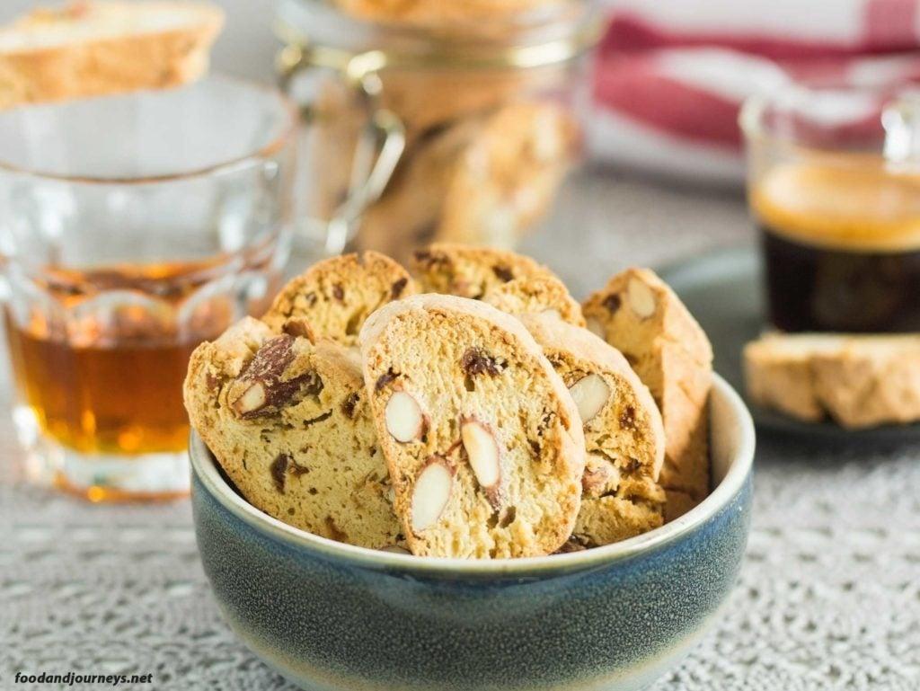 Tuscan Fig Cookies (Cantucci ai Ficchi) foodandjourneys.net