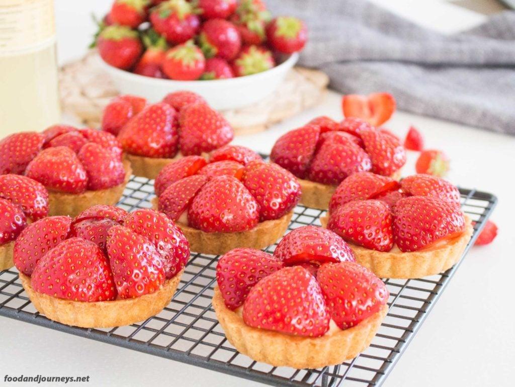 Swedish Strawberry & Elderflower Tartlets mpic|foodandjourneys.net