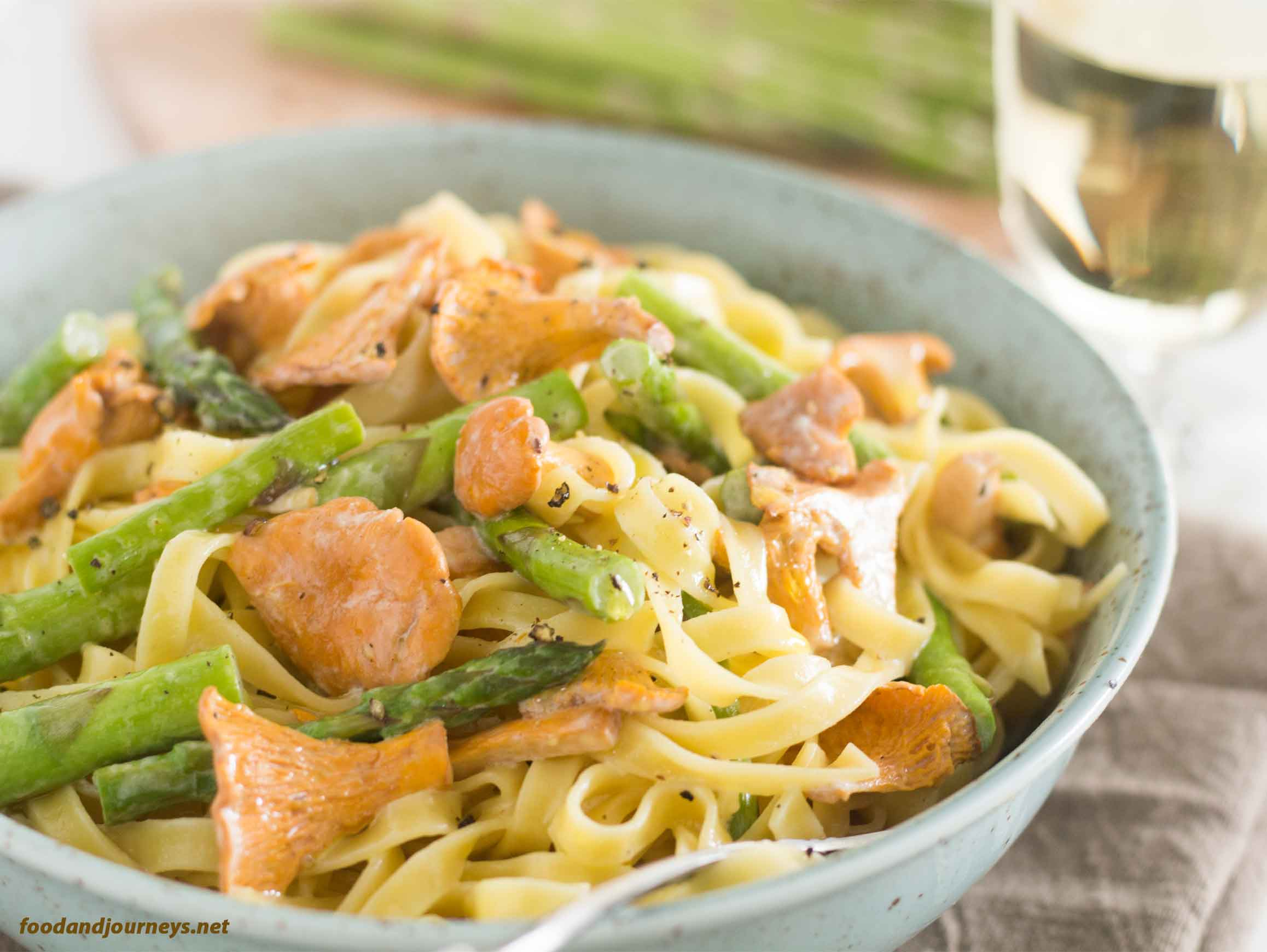 Chanterelle & Asparagus Tagliatelle MPIC|foodandjourneys.net