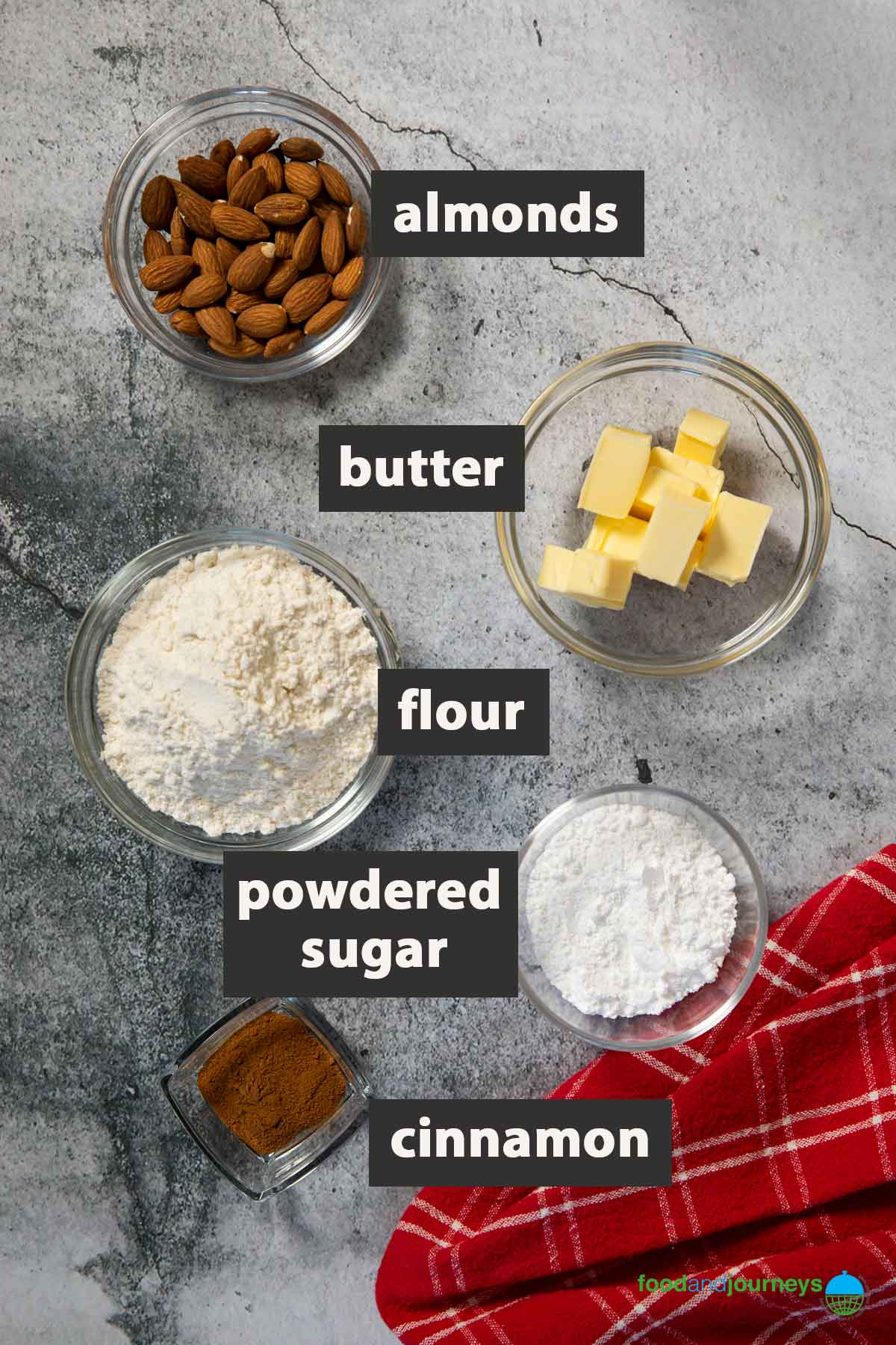 An image showing all the ingredients you need to prepare Spanish polvorones.